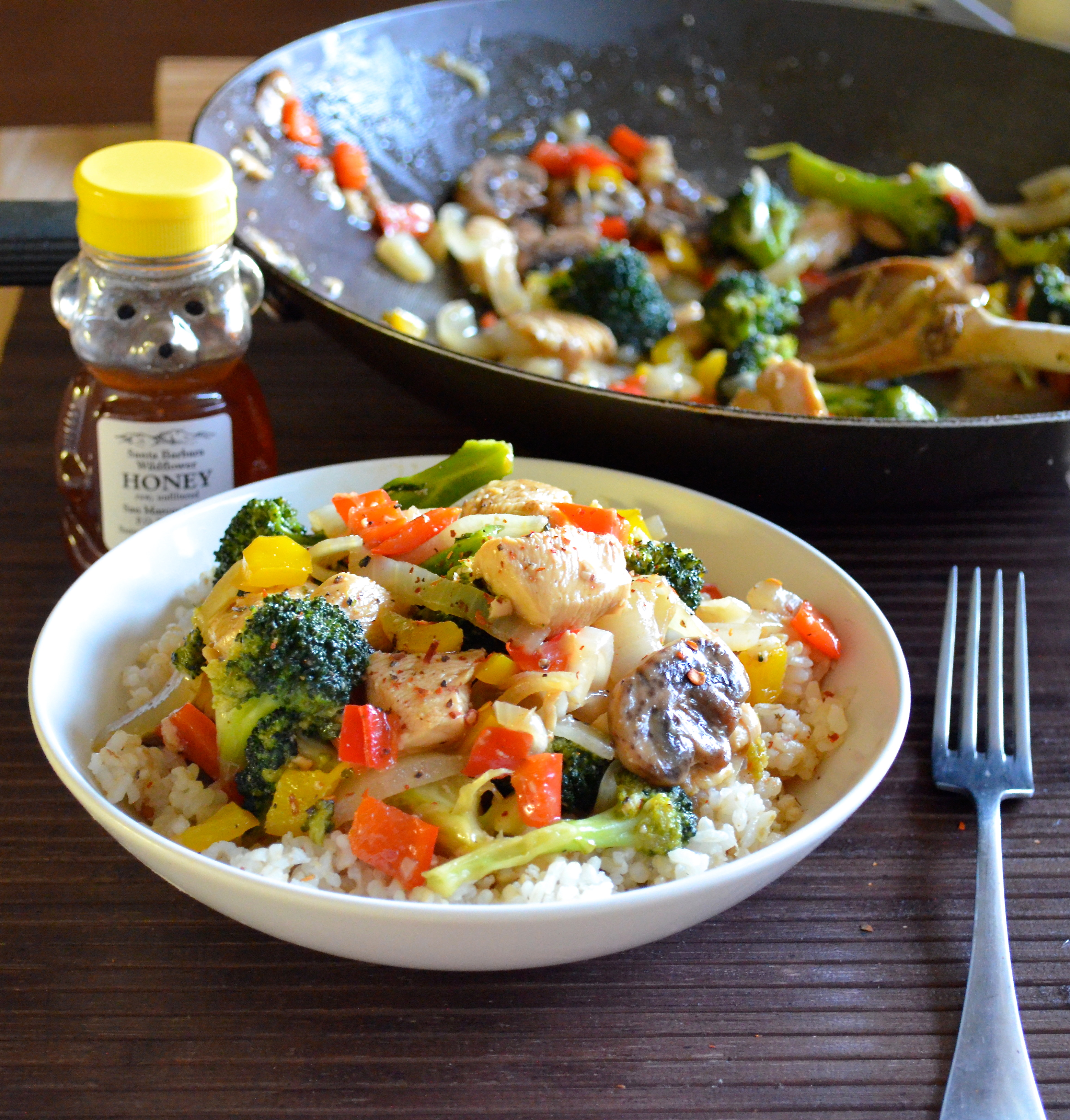 Healthy Honey Orange Chicken Stir Fry. Delicious and low calorie!